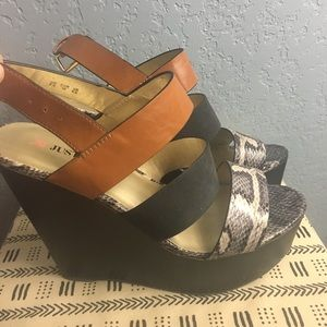 Justfab Wedges Black Tan Silver-Size 8.5